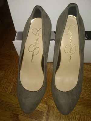 Jessica Simpson. Size 7.5 free for Sale in Brooklyn, NY
