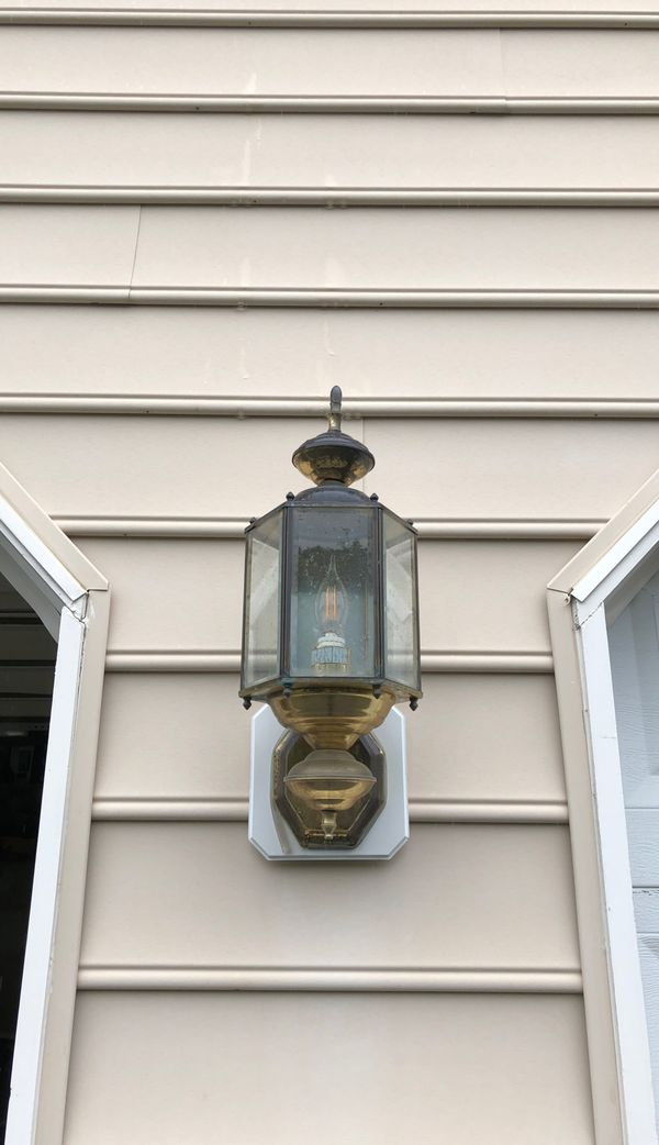 Two FREE exterior lights