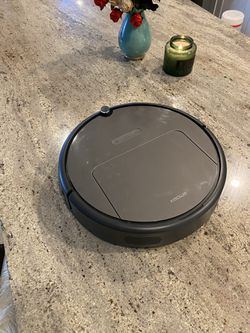 Roborock Robot Vacuum and Mop Cleaner for Sale in Woodinville,  WA