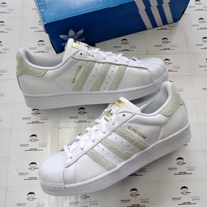 ADIDAS ORIGINALS SHELLTOES SIZE 5Y OR SIZE 7 WOMEN & 5.5Y OR 7.5 WOMEN NEW WITH BOX$75 for Sale in Cleveland, OH