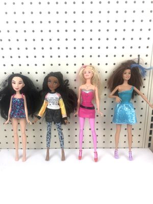 Lot of 4 11 inch dolls some Mattel for Sale in San Jose, CA