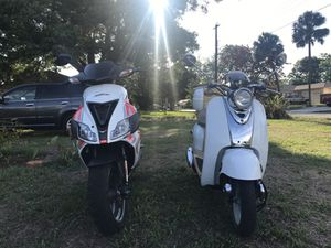 Pair of 50cc motor scooters for Sale in Tampa, FL
