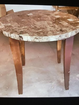 3 foot tall table for Sale in Boca Raton, FL