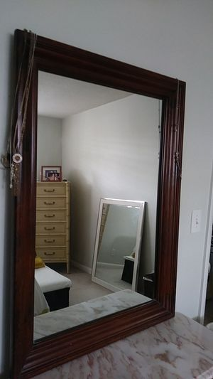 Mohogany brown mirror for Sale in West Palm Beach, FL