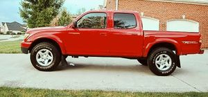 Luxxe 2001 Toyota Tacoma 4X4 4WDWheelss for Sale in Miramar, FL