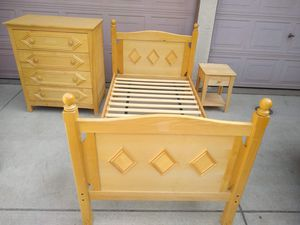 Solid Wood Twin Bedroom Set with Bed Frame, Tall Dresser and Nightstand Cama for Sale in Patterson, CA