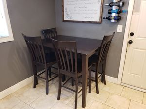 High Top Kitchen Table for Sale in TWN N CNTRY, FL