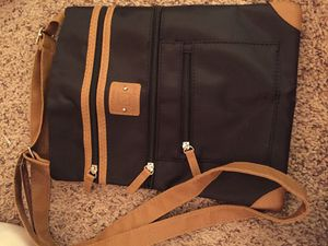 Stone Mountain Black/Tan Cross Over Purse for Sale in Lutz, FL