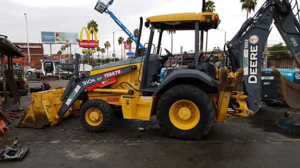 310K JD BACKHOE , 230 per day +extra charge for delivery