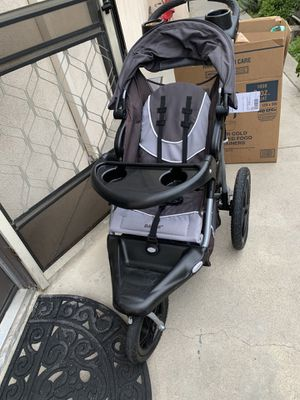 Jogging stroller will give booster seat for free for Sale in Burbank, CA