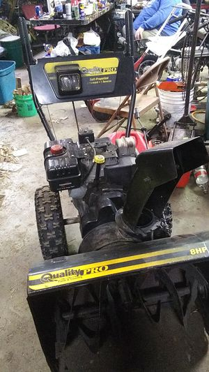 Quality Pro Farm & Country 8 horsepower 26 inch deck snow thrower for Sale in Battle Creek, MI