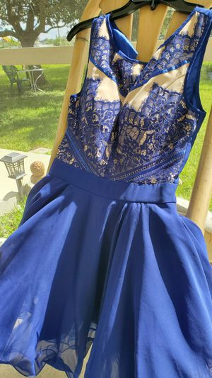 Prom dress brand chi chi london size 4 for Sale in Cape Coral, FL