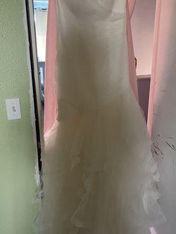 White One Barcelona Wedding Dress Size 14 for Sale in Edgewood,  WA