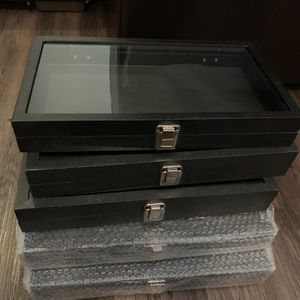 X5 Glass Jewelry Show Cases $75 For All 5!! Pick Up Only for Sale in Las Vegas, NV