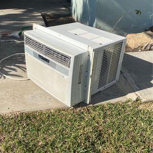 Frigidaire Window AC Unit (Model FFRE1233Q1A) for Sale in Newport Beach, CA