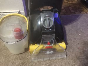 Bissell Shampoo vacuum for Sale in Jennings, MO
