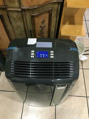 Delonghi Pinguino Air Conditioner Portable 12,000 BTU for Sale in Los Angeles, CA