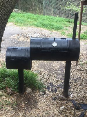 BBQ PIT, GRILL, and SMOKER for Sale in Helotes, TX