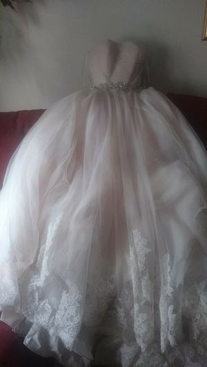 Champagne wedding dress(size 4) for Sale in Charlotte, NC