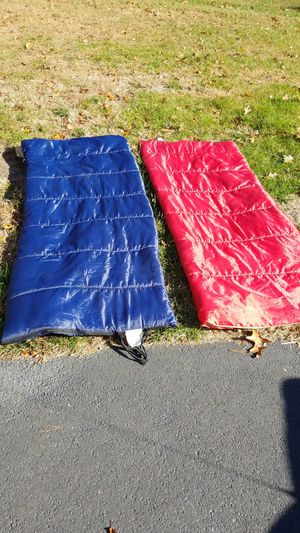 Sleeping bags full size for Sale in Howell Township, NJ