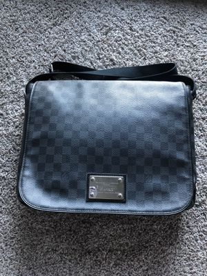 LOUIS VUITTON BAG for Sale in Kansas City, MO