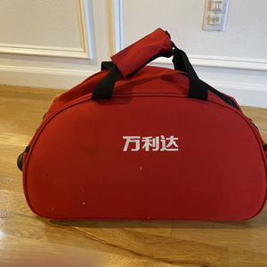 Rolling Duffle Bag for Sale in Sammamish, WA