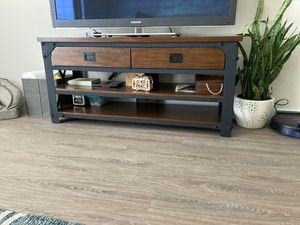 """TV Stand 56"""" long, perfect condition for Sale in Hialeah, FL"""