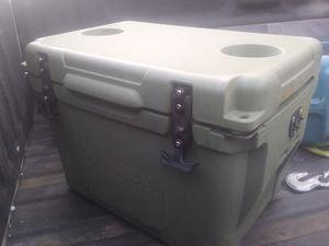 Magellan Outdoor Ice Box Cooler for Sale in Denton, TX