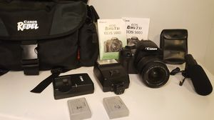 Canon EOS 500D t1i with camera bag & accessories for Sale in Issaquah, WA