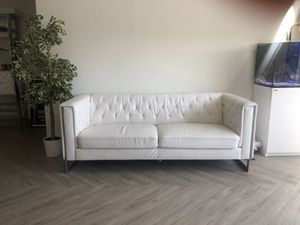 White leather couch for Sale in Los Angeles, CA