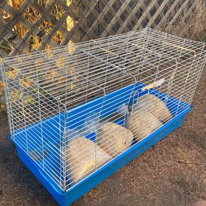 Cage For a Pet for Sale in Azusa, CA