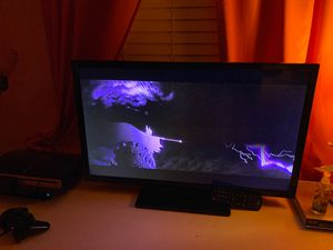 32 inch Insigna TV make me an offer for Sale in Las Vegas, NV