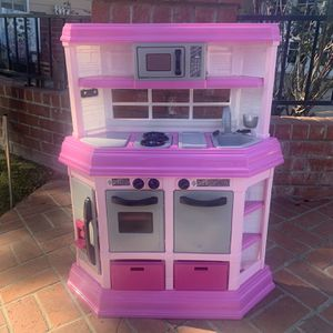 Child's Play Kitchen for Sale in Fullerton, CA