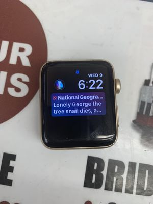 Apple watch series 2 42mm gold for Sale in San Francisco, CA