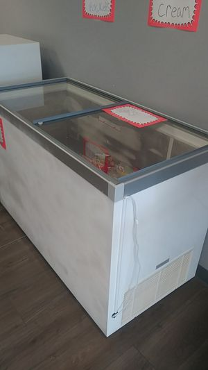 Ice cream cooler for Sale in Woonsocket, RI