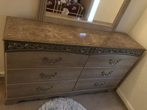 Dresser with Mirror for Sale in MD CITY, MD