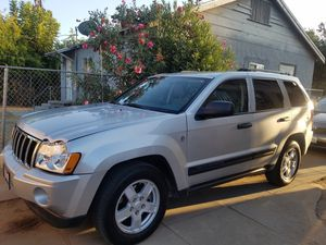 2005 jeep Cherokee for Sale in Fresno, CA