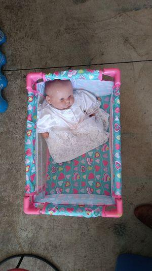 Fabian little bassinet good condition for Sale in Salem, OR