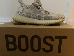 Yeezy 350 v2 static size 10 1/2 non reflective for Sale in Evanston, IL