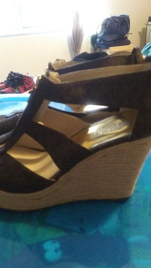 Michael Kors Size 7 / Never Worn for Sale in Columbus, OH