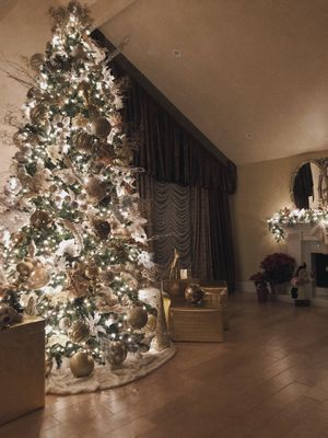 12ft Artificial Christmas Tree (Lights included, ornaments not) for Sale in San Dimas, CA