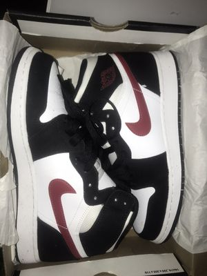 Jordan 1 Mid size 7 for Sale in Silver Spring, MD
