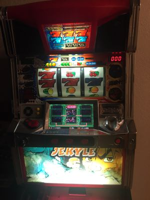 Slot machine in great condition for Sale in Fresno, CA