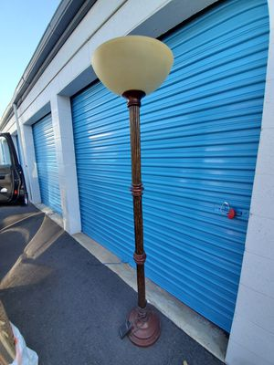 7 ft floor lamp for Sale in Huntington Beach, CA