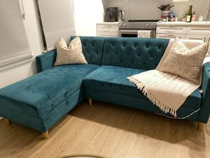 Reversible sleeper sectional for Sale in Washington, DC
