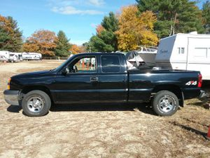 04 Chevy silverado extend cab 4x4 4dr for Sale in Coventry, RI