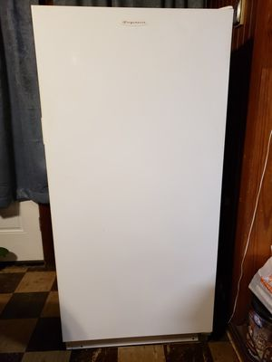 Upright Freezer for Sale in Beaumont, TX
