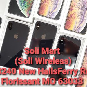 iPhone Xs Max Unlocked To Any Carrier for Sale in Florissant, MO