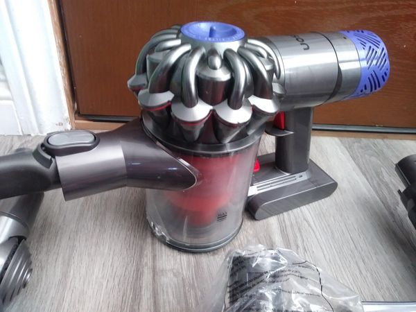 Dyson V6 Absolute Cordless Vacuum (Price is Firm)
