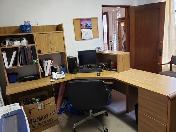 Office desk - FREE!